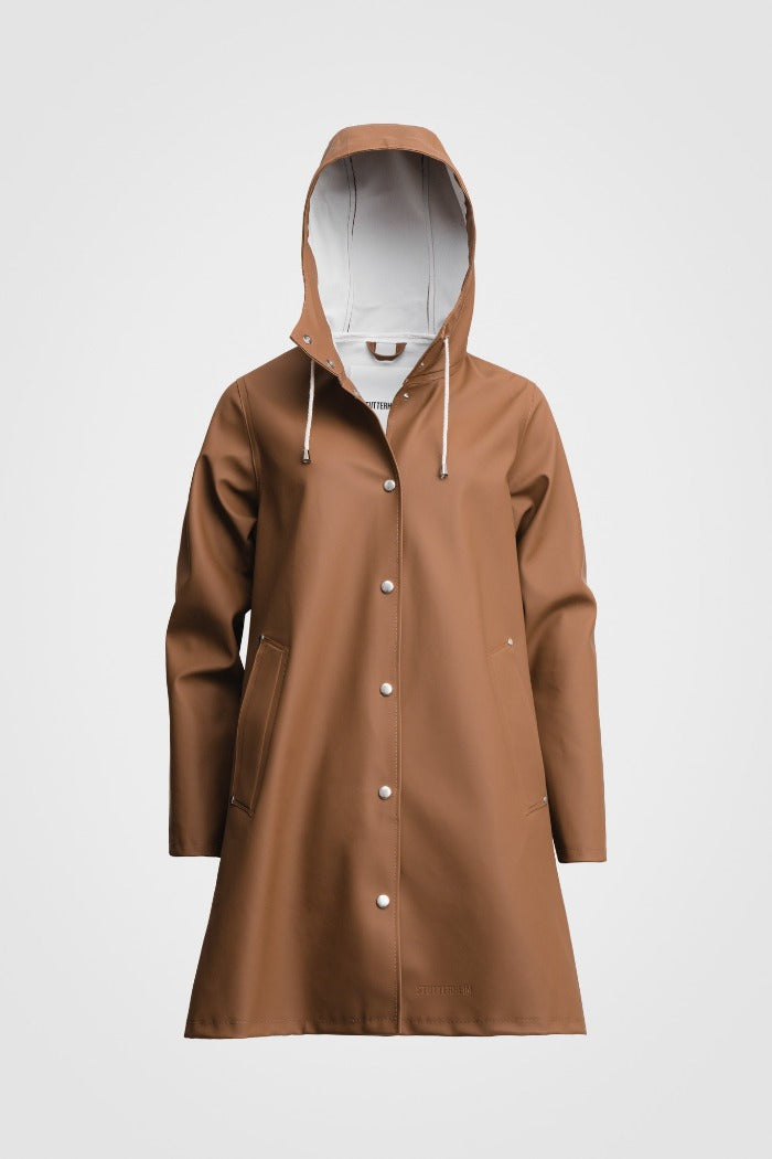 Stutterheim Mosebacke cognac brown raincoat A-line raincoat | Pipe and Row"|700|1050|?|0a4ff2fe444b4334d9c82d3231bc2246|False|UNLIKELY|0.3401024043560028