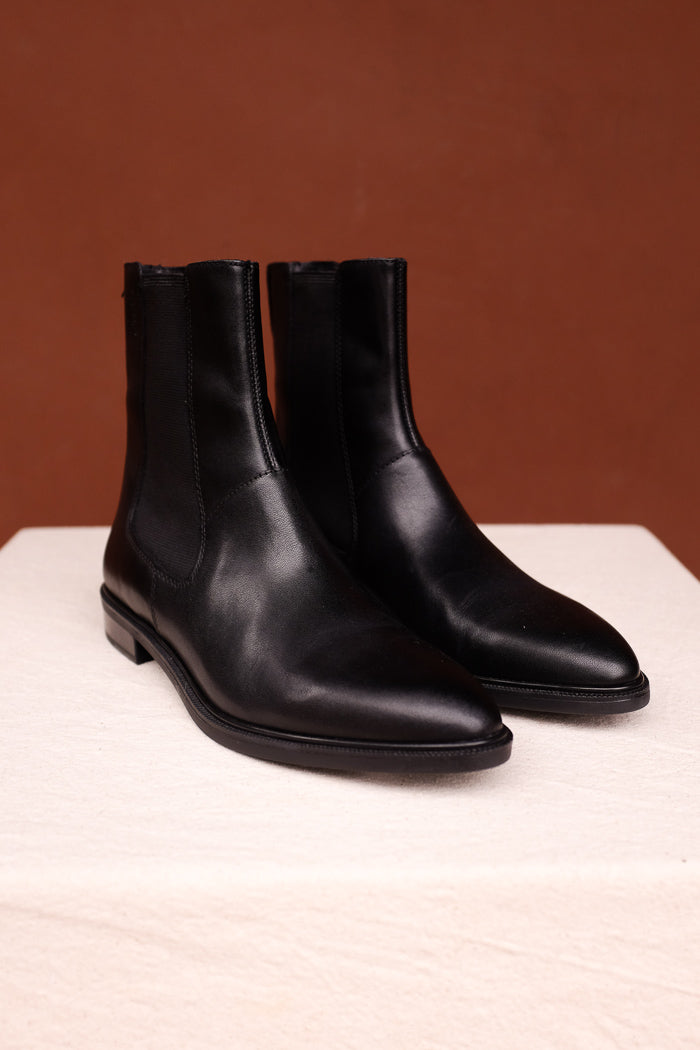 Vagabond Frances sleek chelsea boot black leather | PIPE AND ROW seattle