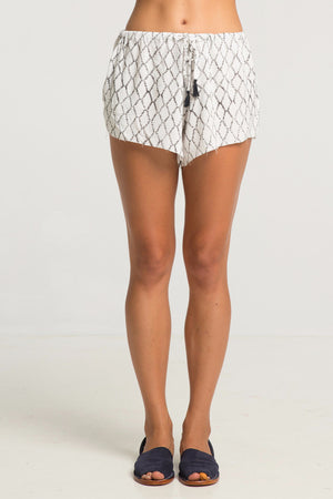 RUE STIIC HARTA RUG PRINT SHORTS | PIPE AND ROW
