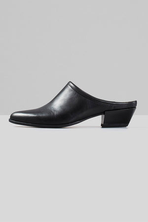 Vagabond modern western Hayley black leather mule shoe | PIPE AND ROW