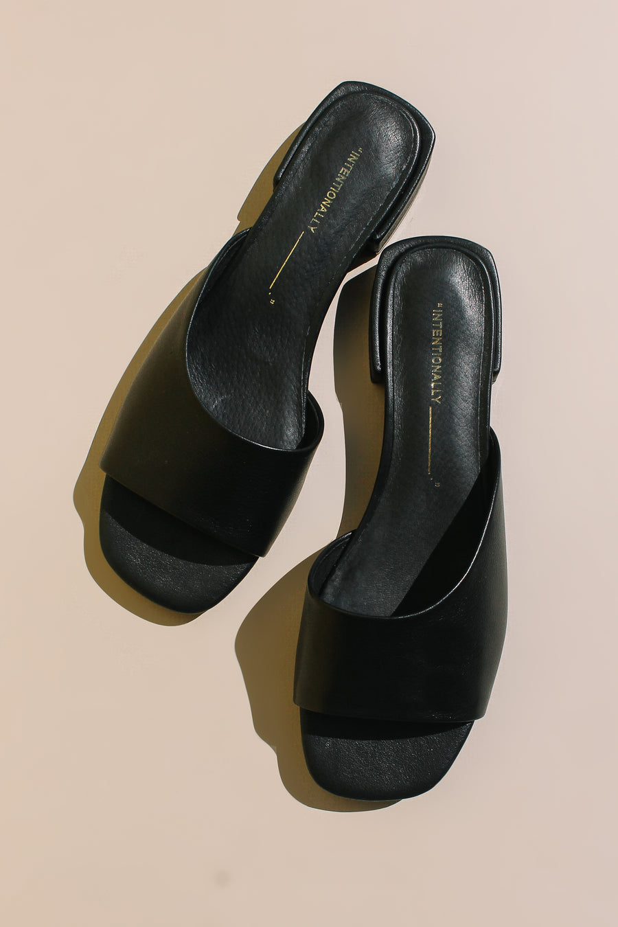Intentionally Blank Jessi slide in black leather sandal summer | Pipe and Row