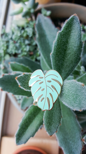 Monstera Leaf plant enamel pin green Hemleva | pipe and row gift boutique seattle