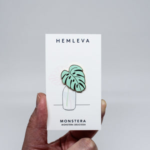 Monstera Leaf enamel pin illustrated green Hemleva | pipe and row gift boutique seattle