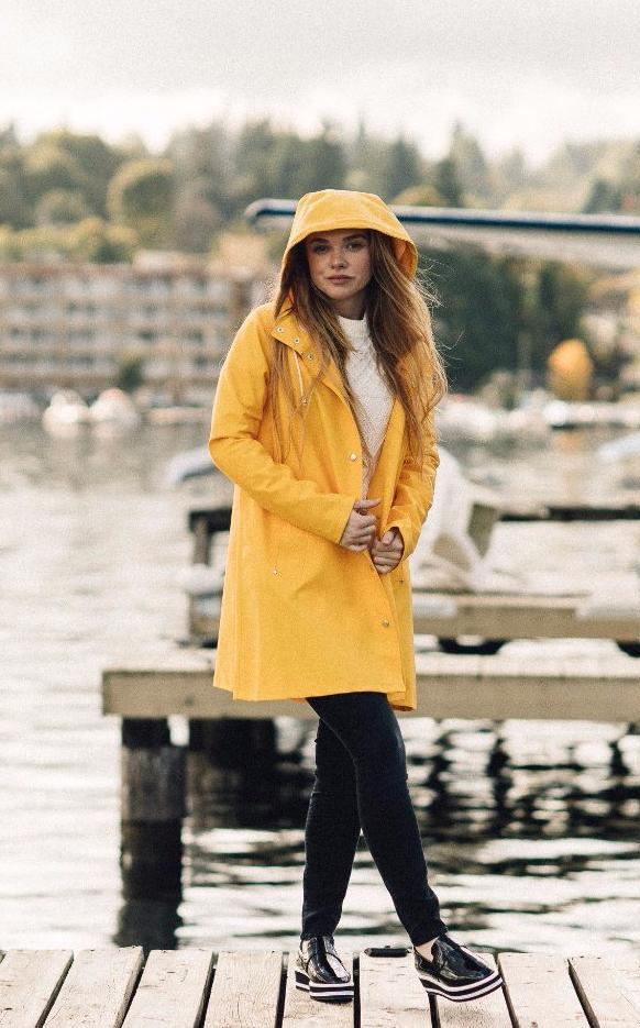STUTTERHEIM MOSEBACKE RAIN JACKET YELLOW | PIPE AND ROW SEATTLE
