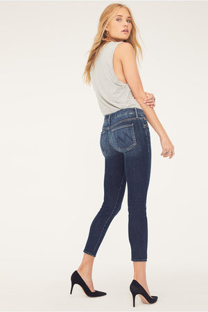 Mother denim skinny Looker Crop jeans dark blue on the edge wash | Pipe and Row