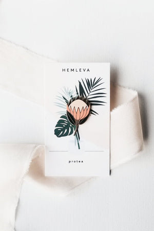 Hemleva Protea plant pin | pipe and row