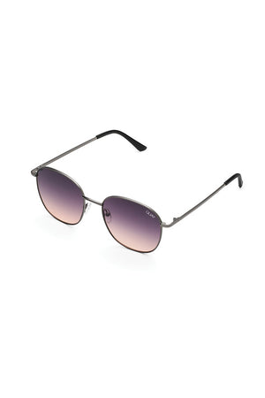 Quay Jezabell sunglasses chrissy tiegan navy peach gunmetal | pipe and row