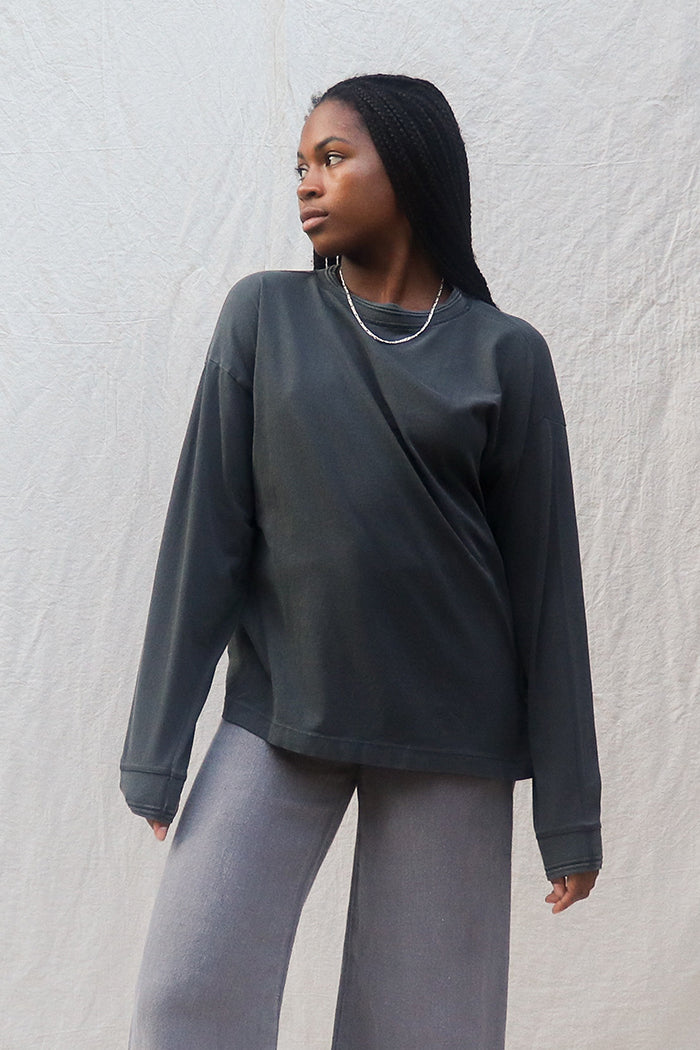 UNISEX RELAXED LONG SLEEVE TEE