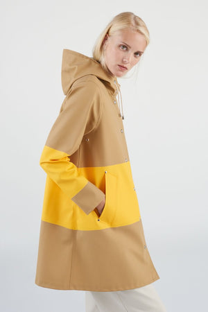 Stutterheim Mosebacke sand yellow stripe raincoat color block womens | pipe and row