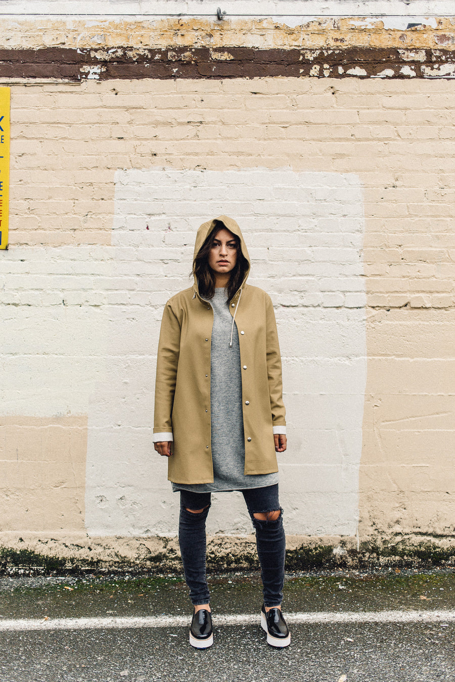 STUTTERHEIM STOCKHOLM RAIN JACKET SAND SEATTLE | PIPE AND ROW