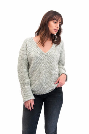 V-Neck slouchy knit sweater grey Rue Stiic Pipe and Row Seattle Shopping