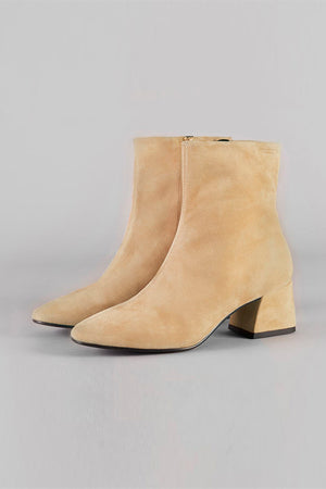 Alice boot oat tan suede vagabond | pipe and row boutique seattle