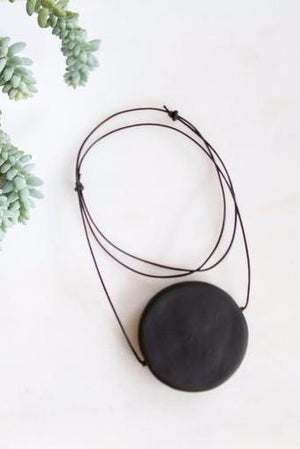 BLACK RADIAL NECKLACE