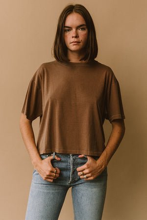Filo sofia Jade tee is a subtly cropped boxy t-shirt ethical | pipe and row