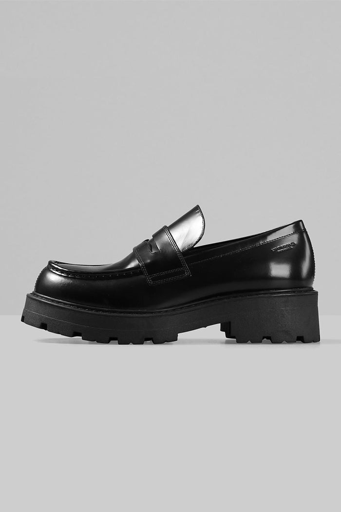 Vagabond Cosmo 2.0 chunky tread sole loafer 90's grunge polished black leather | pipe and row