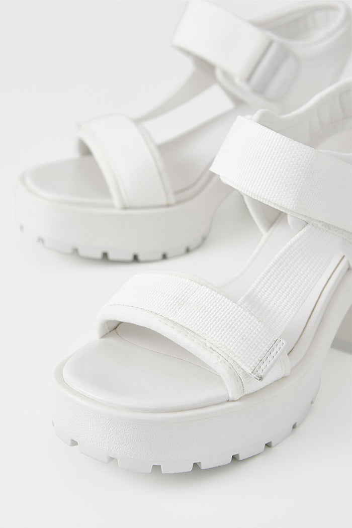 DIOON SANDALS