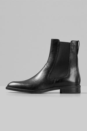 Vagabond Frances sleek chelsea boot in black leather | PIPE AND ROW