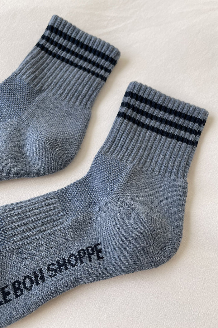 Le Bon Shoppe Girlfriend ribbed socks indigo blue stripe | Pipe and Row
