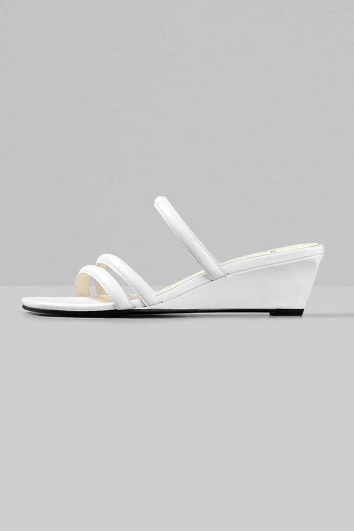 Vagabond Nellie strappy 90's wedge sandals leather white | Pipe and Row boutique