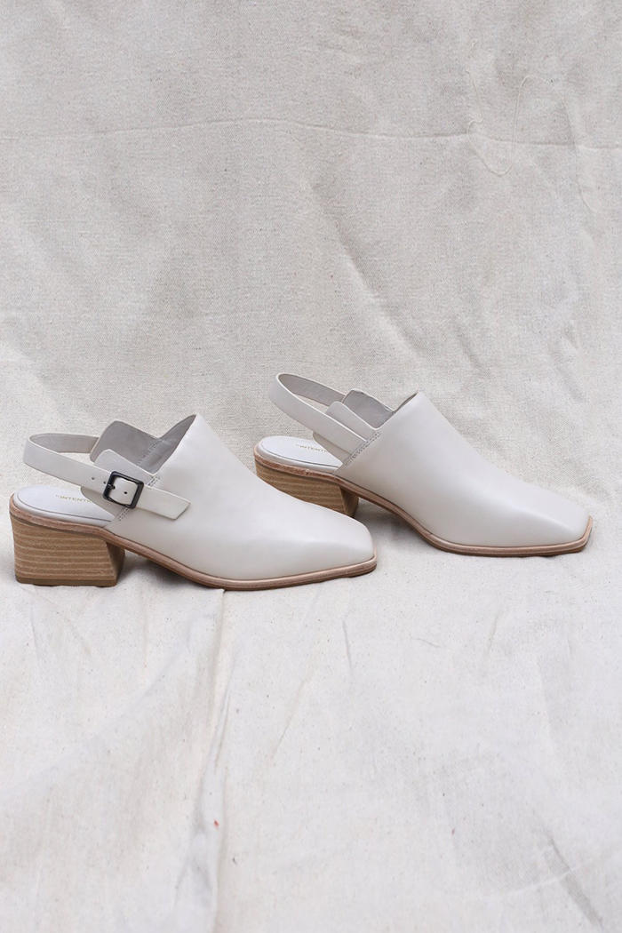 pipe and row intentionally blank ss 20 bio mule cream