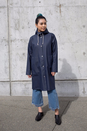 Stutterheim SOLNA RAIN JACKET NAVY | PIPE AND ROW WOMENS SEATTLE