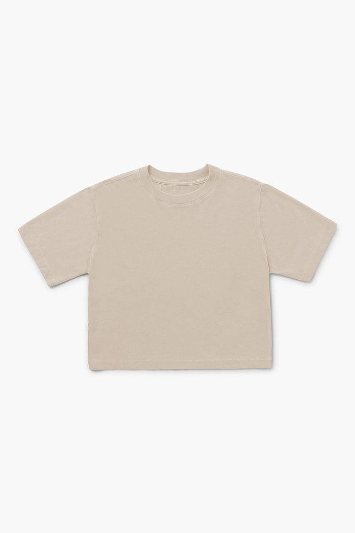 RELAXED SHORT SLEEVE CROP TEE SANDSTORM