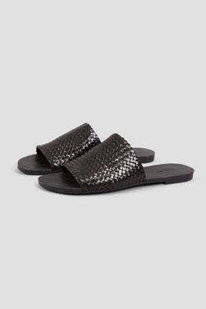 black leather summer slides vagabond | pipe and row seattle shopping