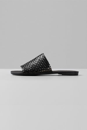 black interlaced leather summer tia sandals vagabond | pipe and row