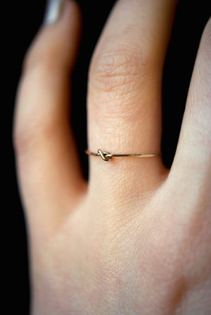ULTRA THIN TINY KNOT RING