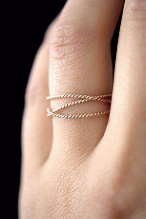 Twisted wraparound ring 14k gold jewelry | PIPE AND ROW