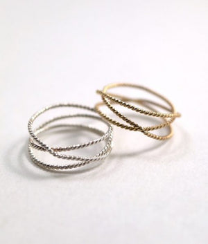 Textured twisted wraparound rings 14k gold | PIPE AND ROW