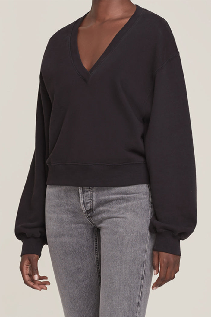 V NECK BALLOON SLEEVE SWEATSHIRT BLACK | Pipe and Row boutique