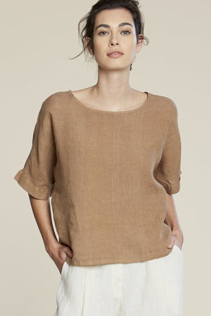 Filosofia Zoe linen short sleeve top wheat brown | pipe and row