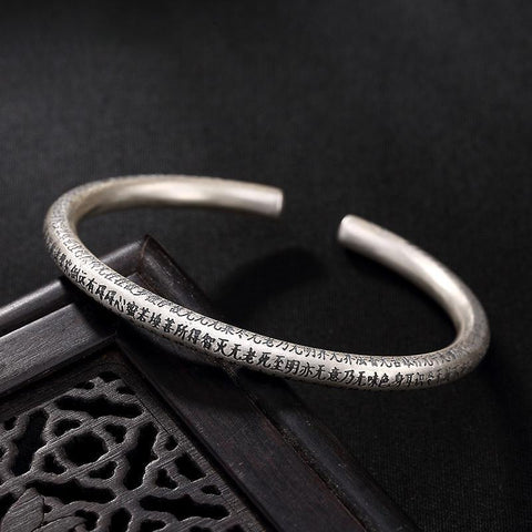 Bangle Sutra inciso cuore in argento 999