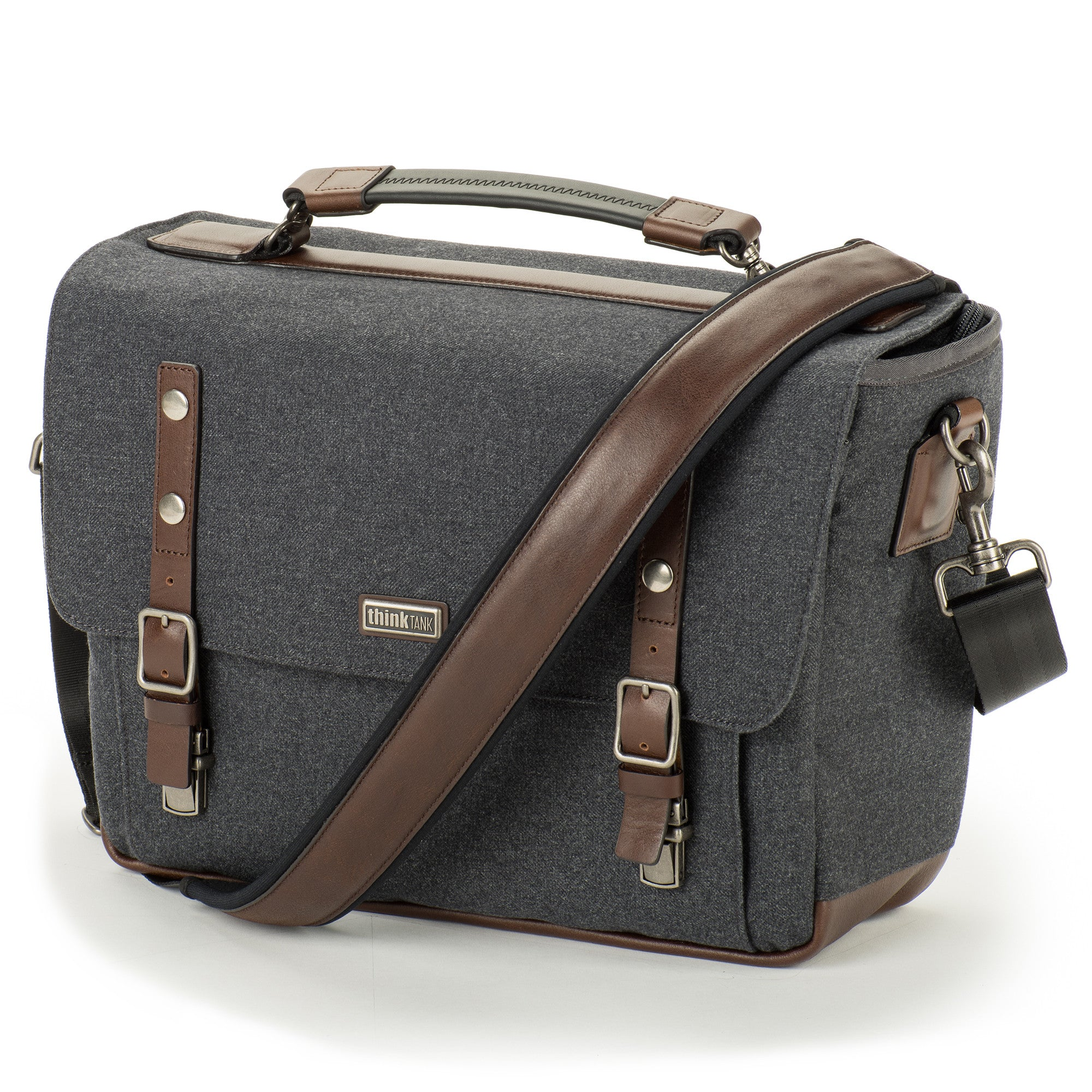 New 'Signature' Shoulder Camera Bag Series Features Advanced Fabrics