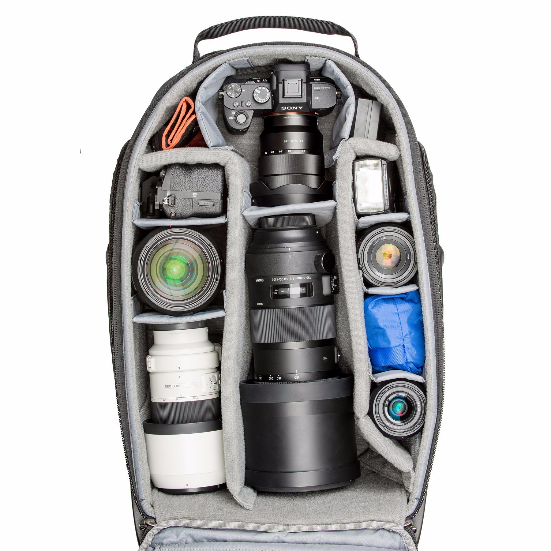 Adjustable dividers allow a customized fit for your DSLR or Mirrorless gear