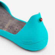 Load image into Gallery viewer, Freshoes Lagoon with the Suede leather insoles Ash Grey close up view