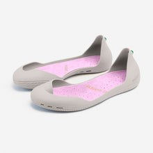 Load image into Gallery viewer, Freshoes Light Grey with the Suede leather insoles Misty Rose perspective view