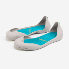 Load image into Gallery viewer, Freshoes Light Grey with the Suede leather insoles Turquoise Blue perspective view