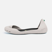 Load image into Gallery viewer, Freshoes Light Grey with the Vegan leather insoles Black side view