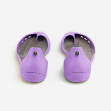 Charger l'image dans la galerie, Freshoes Lilas with the Suede leather insoles Ash Grey rear view