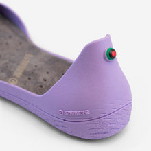 Charger l'image dans la galerie, Freshoes Lilas with the Suede leather insoles Ash Grey close up view