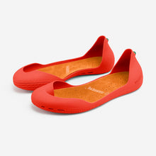 Load image into Gallery viewer, Freshoes Pepper Red with the Suede leather insoles Amber Orange perspective view