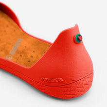 Load image into Gallery viewer, Freshoes Pepper Red with the Suede leather insoles Amber Orange close up view