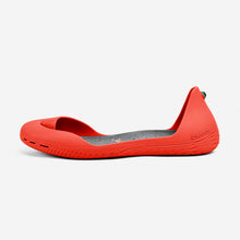 Load image into Gallery viewer, Freshoes Pepper Red with the Suede leather insoles Ash Grey side view
