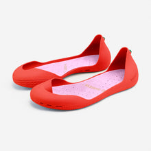 Load image into Gallery viewer, Freshoes Pepper Red with the Suede leather insoles Misty Rose perspective view