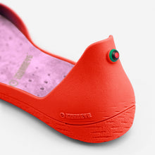 Load image into Gallery viewer, Freshoes Pepper Red with the Suede leather insoles Misty Rose close up view