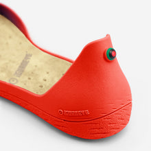 Load image into Gallery viewer, Freshoes Pepper Red with the Vegan insoles Beige close up view