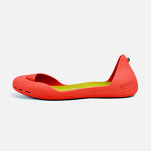 Load image into Gallery viewer, Freshoes Pepper Red with the Suede leather insoles Yellow Green side view