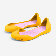 Load image into Gallery viewer, Freshoes Yellow Sun with the Suede leather insoles Misty Rose perspective view